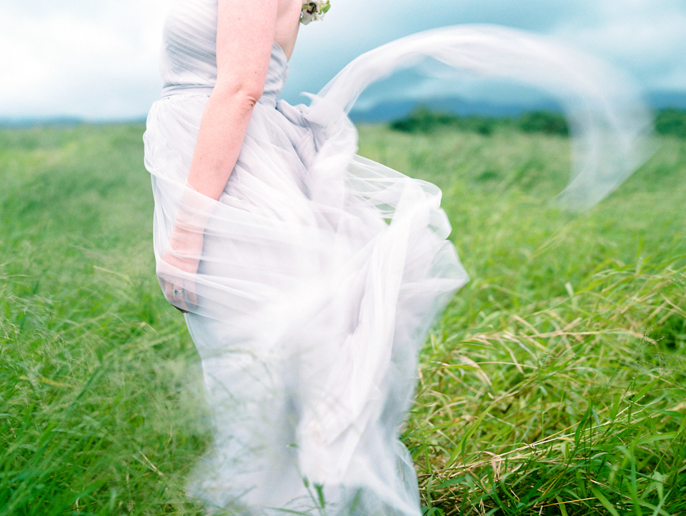 maui wedding photographer wendy laurel's gorgeous picture of brides dress in the wind-1