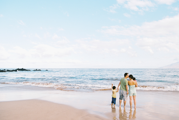 maui family photographer wendy laurel's photography of maui family at four seasons-22