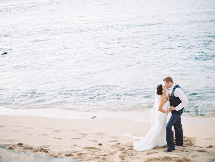 maui photographer wendy laurel's film images of maui wedding at merrimans in kapalua-32