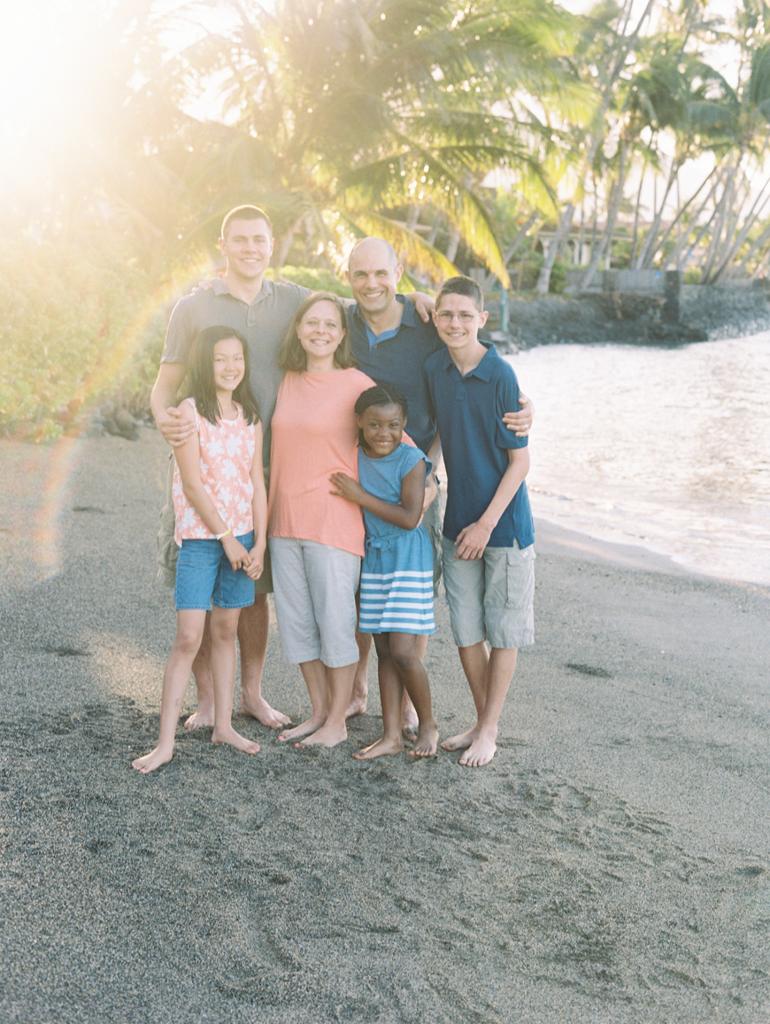 Maui photographer Wendy Laurel extended family session at Baby Beach Lahaina-28
