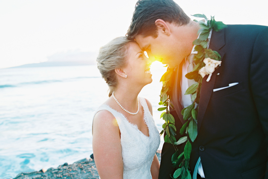 sunset photo of bride and groom at olowalu plantation house
