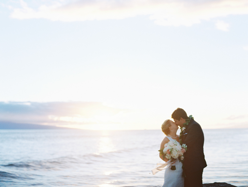elegant oceanside maui wedding at olowalu plantation house images by maui wedding photographer wendy laurel-32