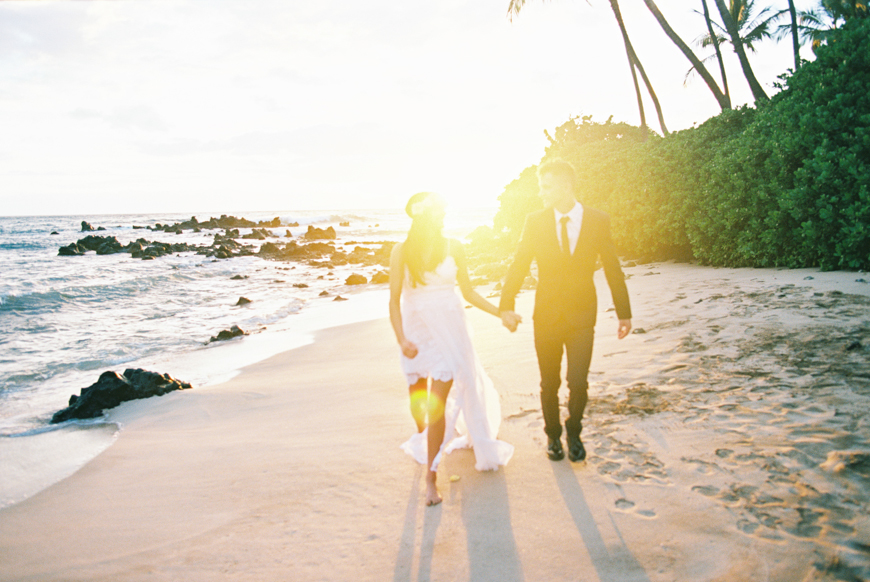 hawaii beach elopement photography by maui wedding photographer wendy laurel