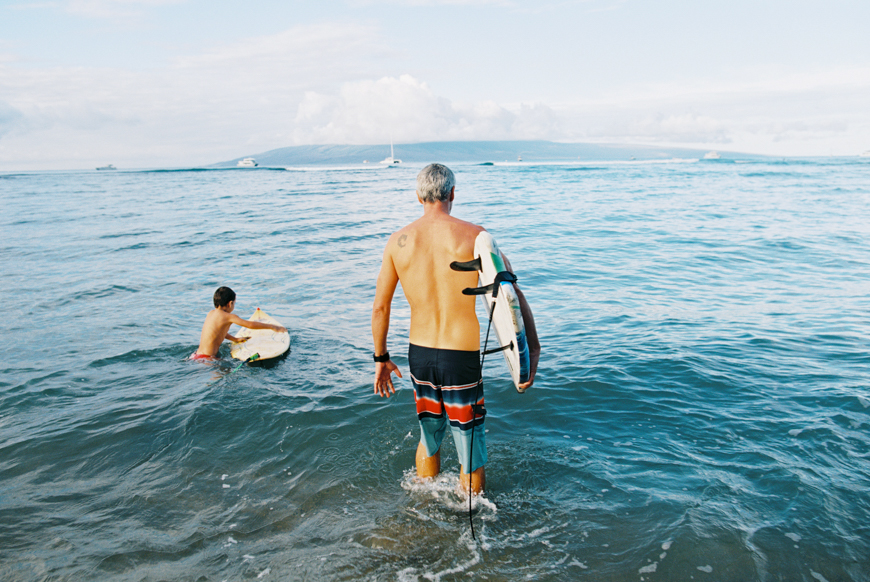 maui-family-beach-photography-in-lahaina-with-surfboards-by-maui-photographer-wendy-laurel