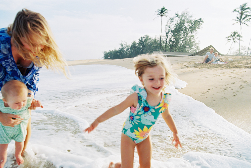 Maui Family Lifestyle Beach Photography Session At Baldwin In Paia By Photographer Wendy Laurel