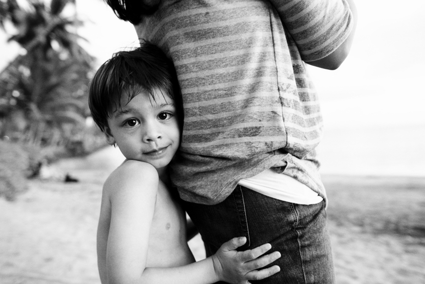 maui lifestyle and family photography in lahaina by maui family photographer wendy laurel