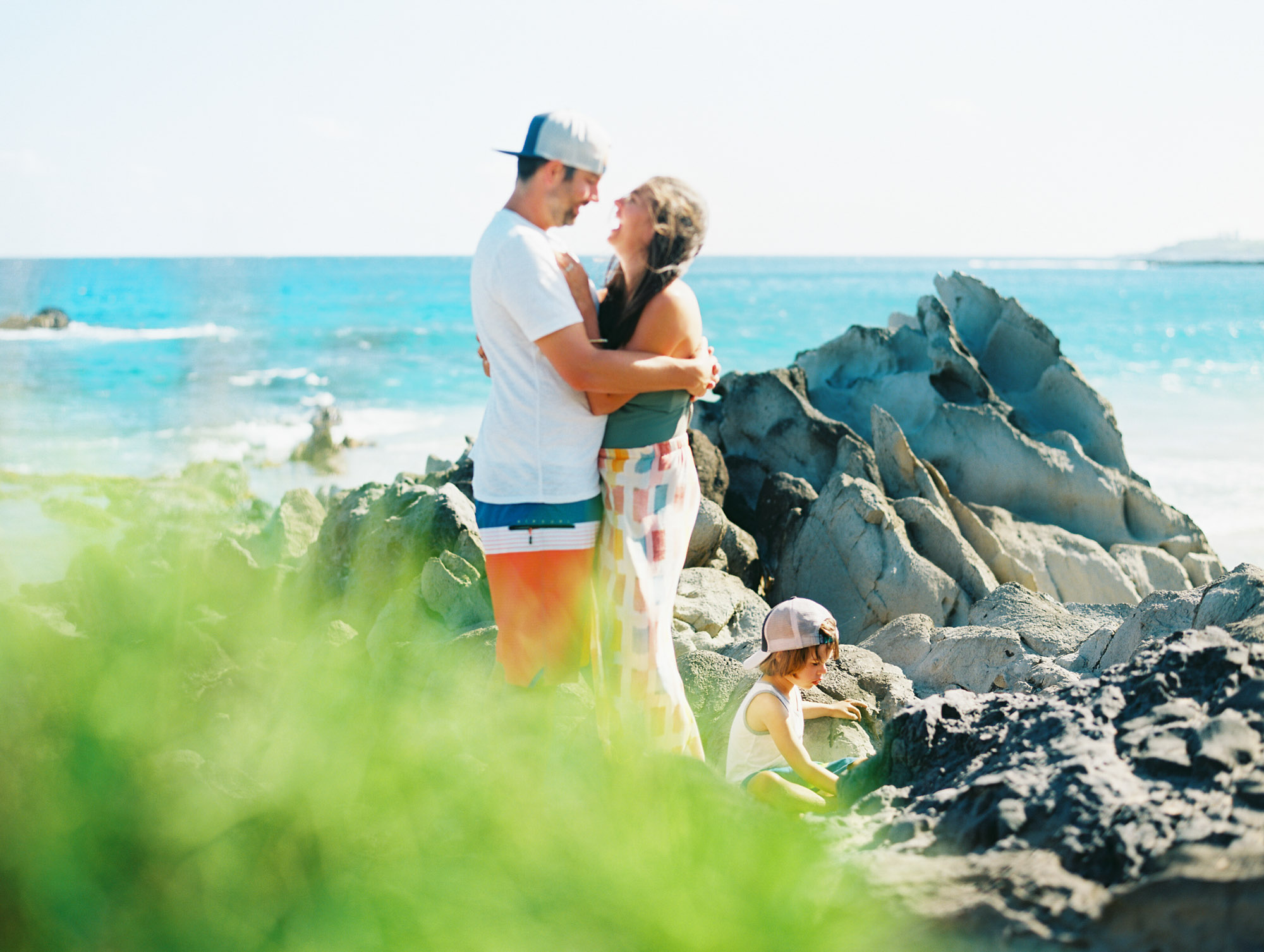 maui family photography session on the beach in west maui by film photographer wendy laurel-