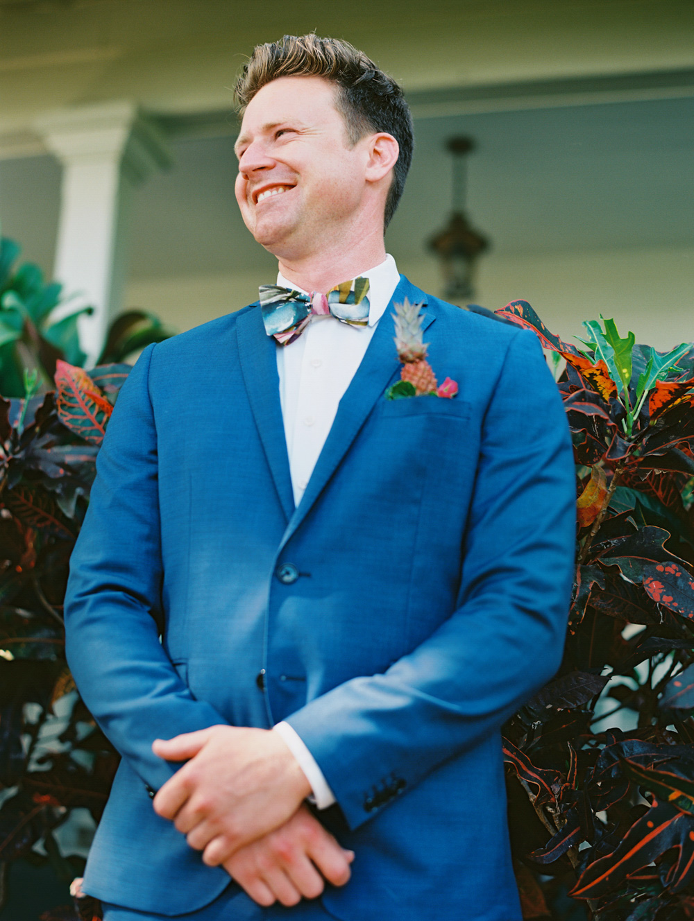 bright and fun maui wedding at olowalu plantation house by maui photographer wendy laurel