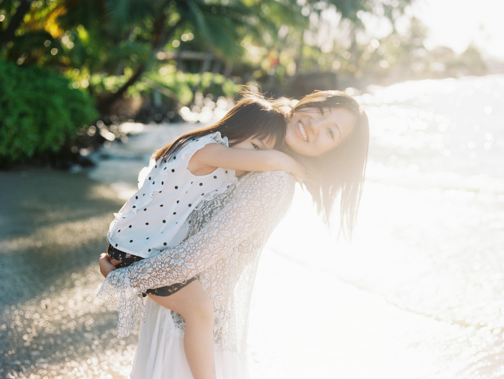 maui family photography shoot with beach portraits lifestyle by maui photographer wendy laurel