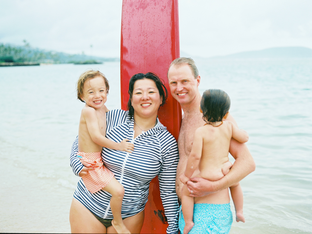 hawaii family photography in waikiki and honolulu by oahu photographer wendy laurel