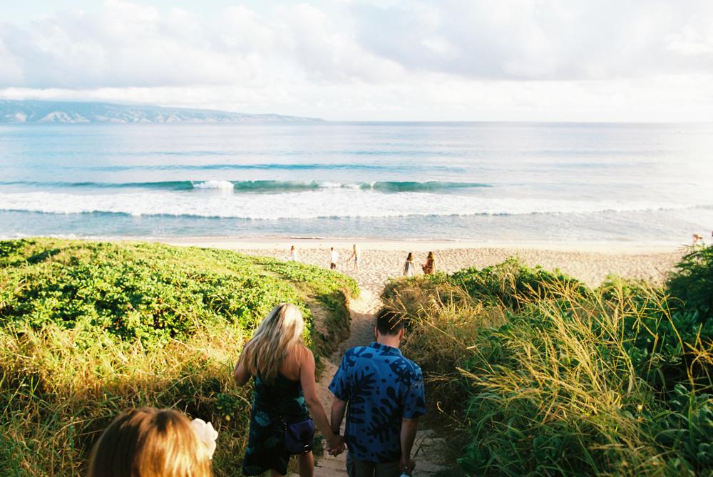 extended family beach photography shoot on lahaina beach in maui by maui photographer wendy laurel