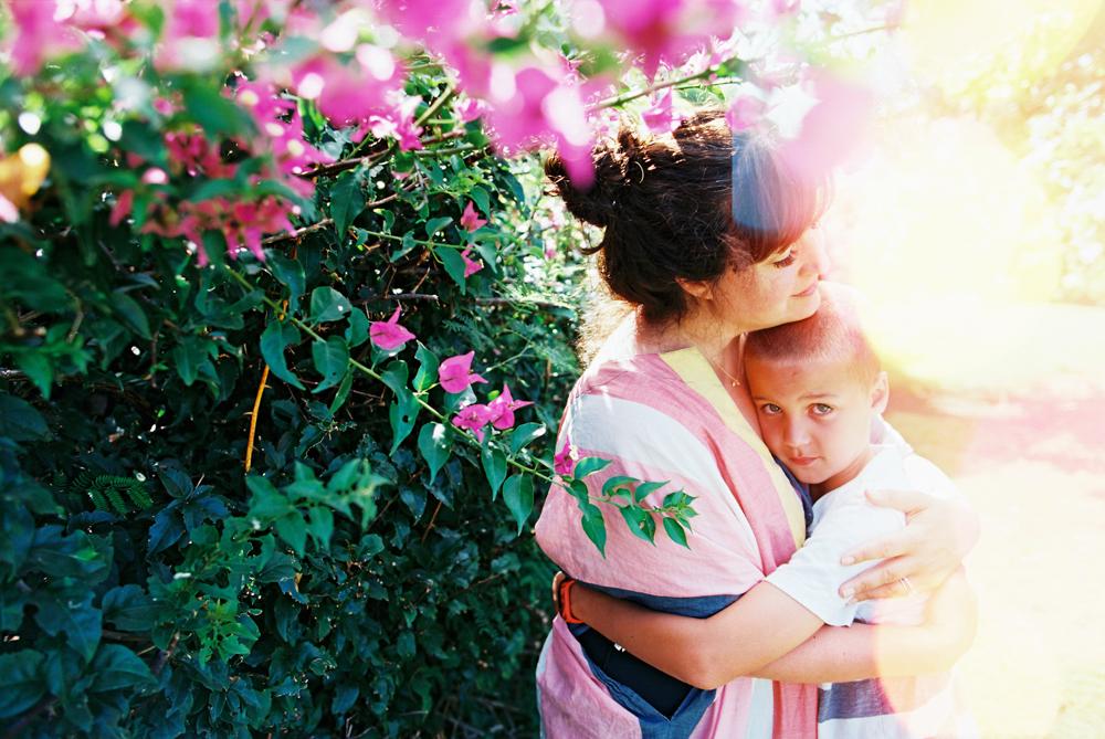love colored sky kapalua maui family photography shoot by maui film photographer wendy laurel on kodak film