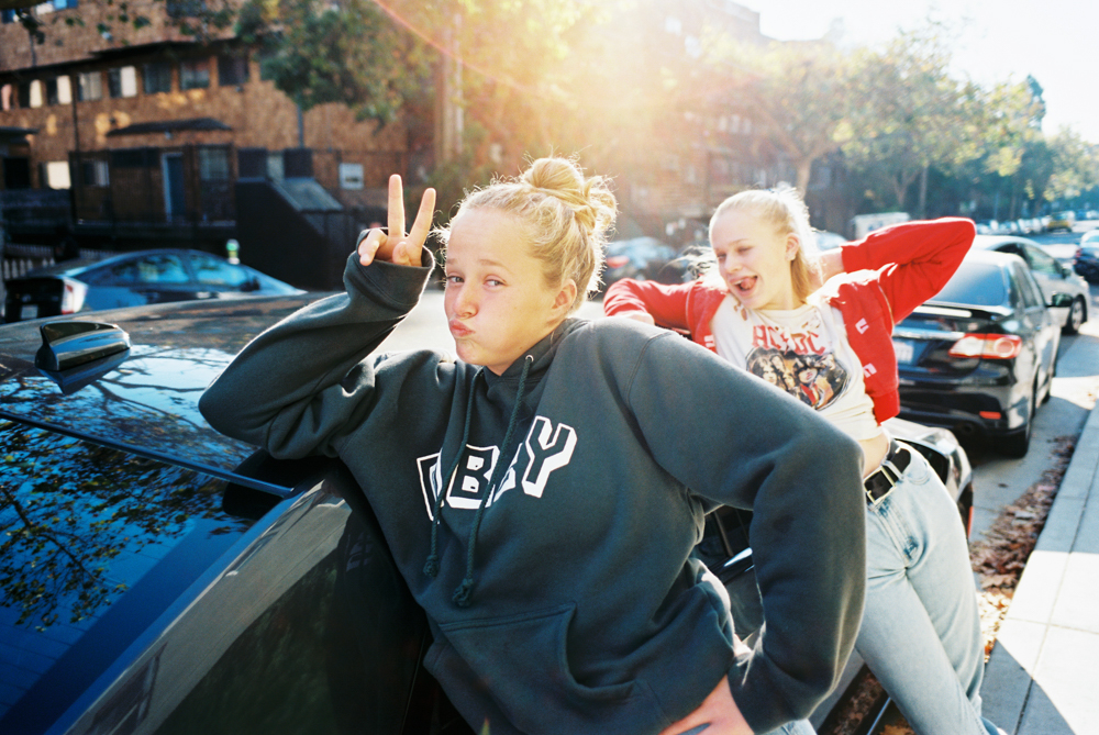 candid film photography shots of teenagers on trip to san francisco by maui photographer wendy laurel
