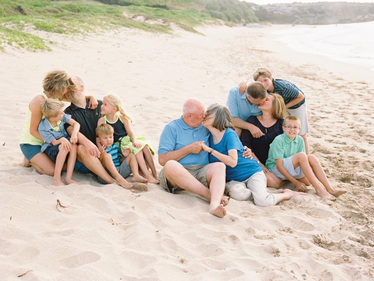 maui photographer wendy laurel's group shot on beach