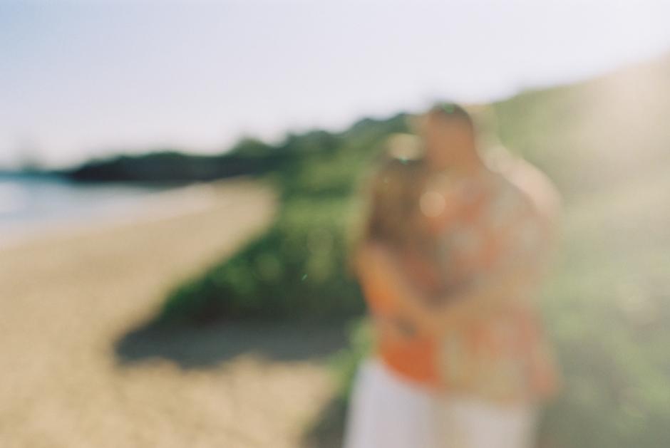 fun beautiful family photographs on beach in lahaina maui by photographer wendy laurel