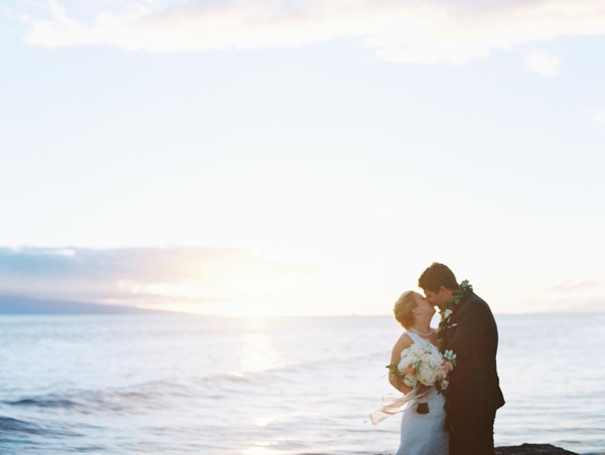elegant oceanside maui wedding at olowalu plantation house images by maui wedding photographer wendy laurel-32