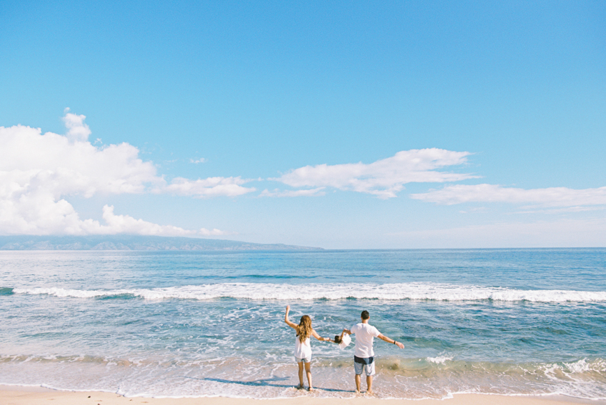 gorgeous beach lifestyle maui family photographs by maui photographer wendy laurel-7