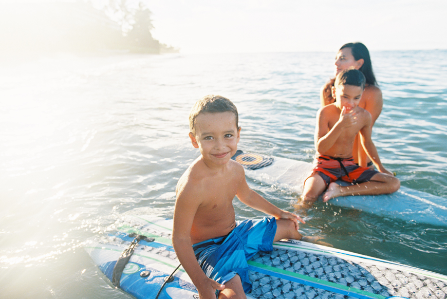 lahaina maui family photographs at beach and ocean surfing by maui photographer wendy laurel-38