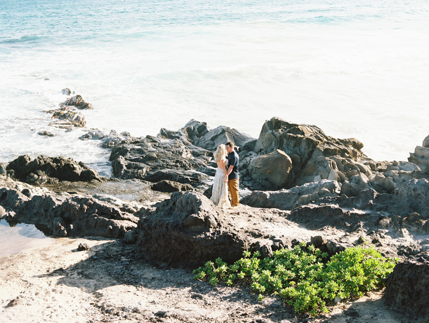 fun-couples-photography-session-in-kapalua-at-ironwoods-beach-by-maui-photographer-wendy-laurel