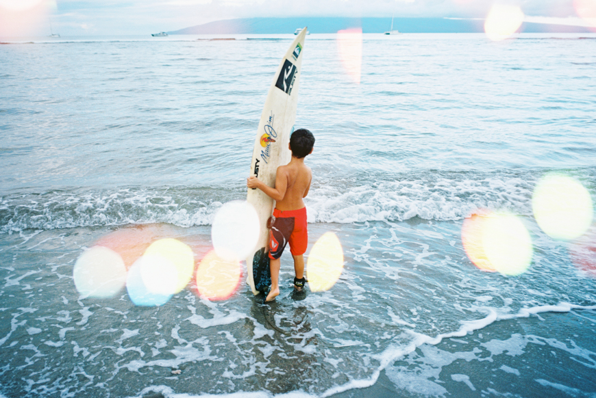 maui-family-beach-photography-in-lahaina-with-surfboards-by-maui-photographer-wendy-laurel-14