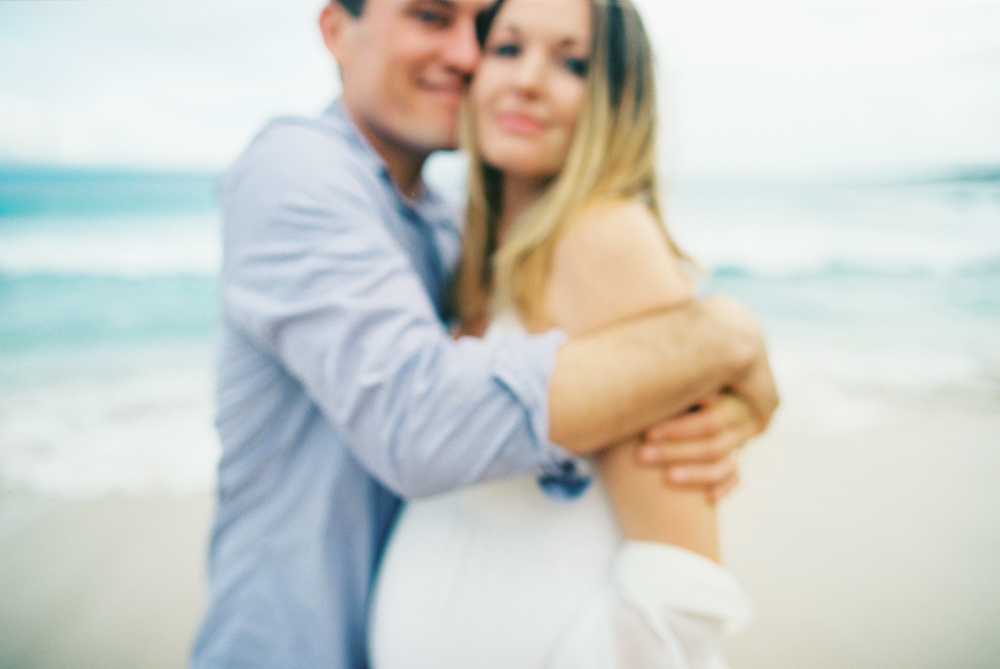 beautiful maternity photography in lahaina by maui photographer wendy laurel