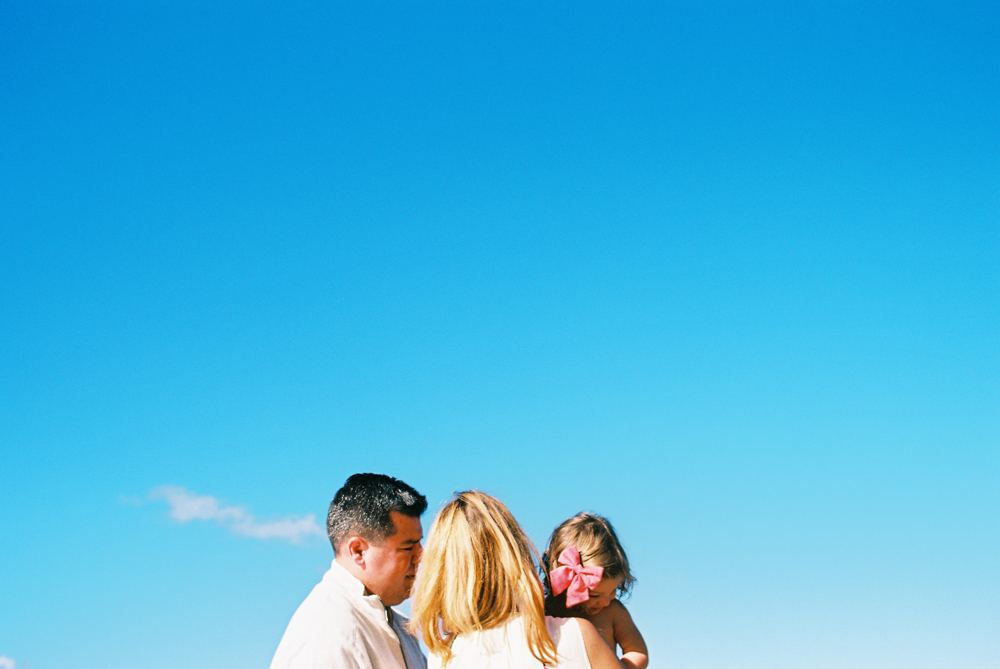 maui family photography in lahaina by maui film photographer wendy laurel-
