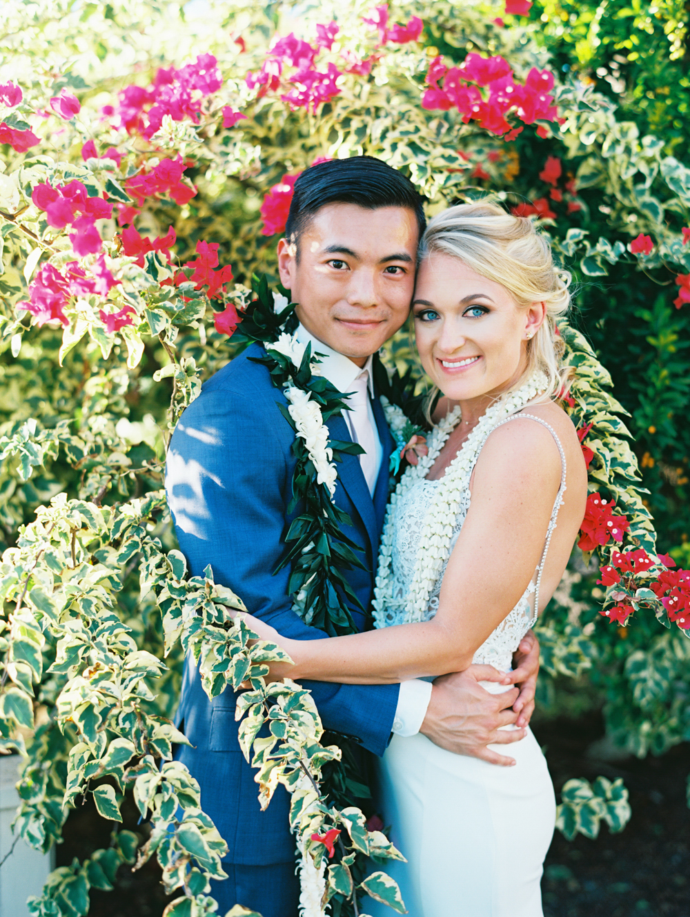 colorful fun hip maui wedding at sugar beach featured on 100 layer cake by maui photographer wendy laurel