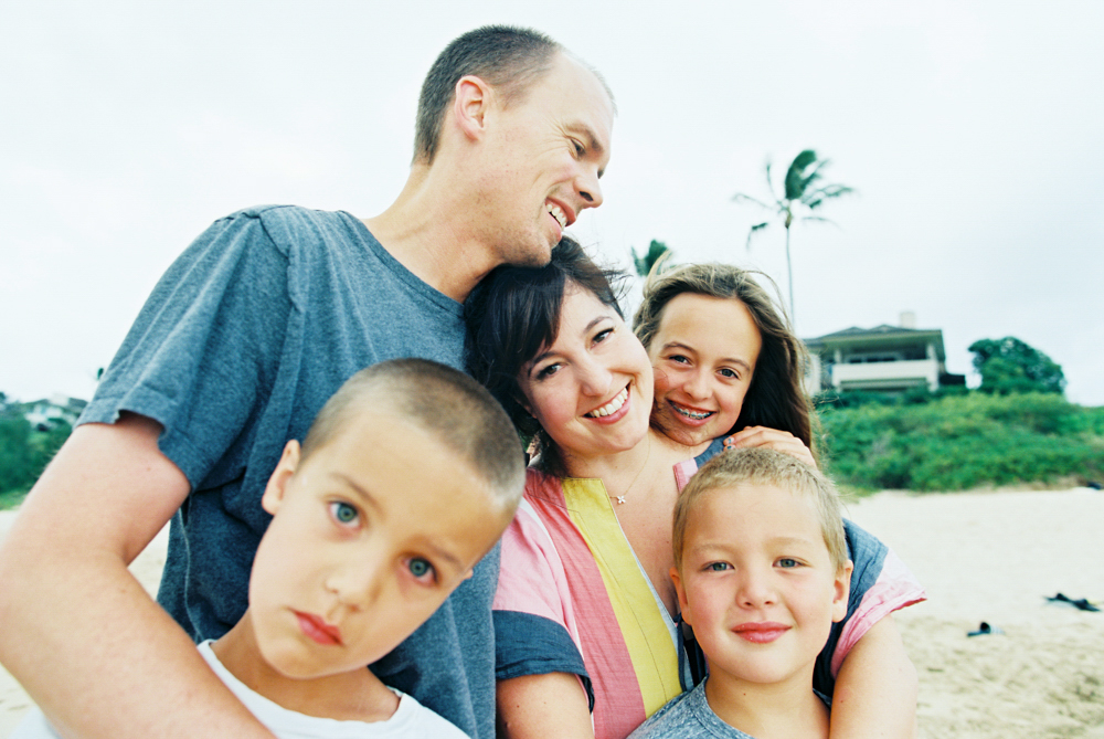love colored sky kapalua maui family photography shoot by maui film photographer wendy laurel on kodak film
