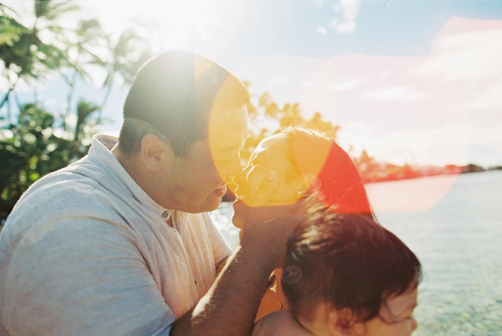 sunrise colors maui family photography session at lahaina baby beach on kodak film by maui photographer wendy laurel