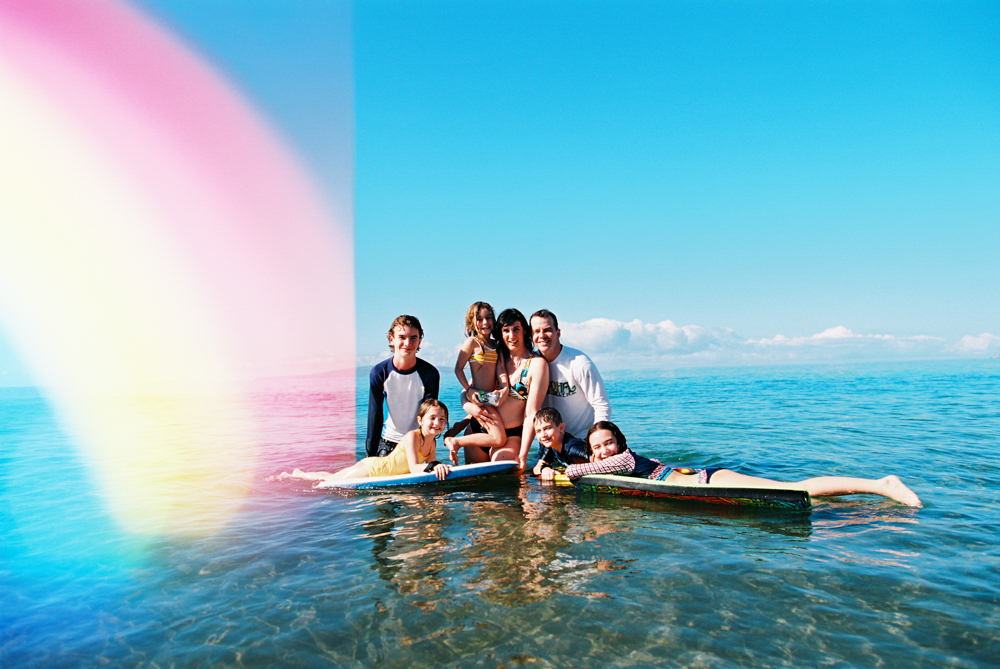 beautifully real family photographs on maui by maui photographer wendy laurel
